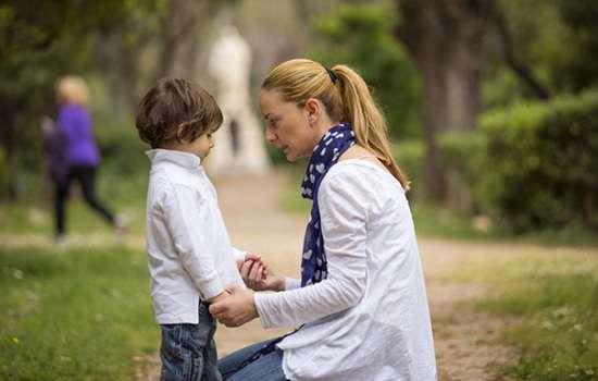 Ребенок кусается – это нормально? Почему кусается ребенок до года и после трех лет: что делать и как на это реагировать?