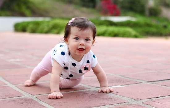 Как научить ребенка ползать: пошаговая инструкция. Простые советы и специальные упражнения для детей, подготавливающие к ползанию