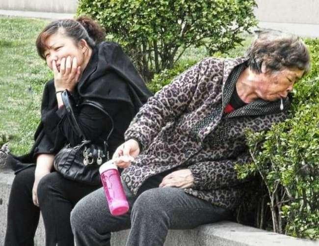 Странности китайцев, от которых европейцам становится плохо (13 фото)