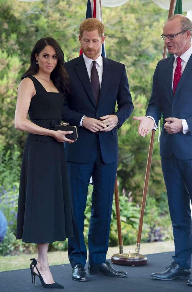 Загадка платьев Меган Маркл: королевский историк рассказала, зачем герцогине карманы
