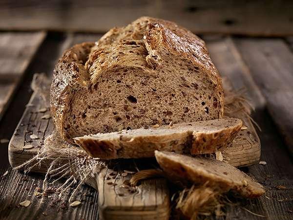 Что можно сделать с засохшим хлебом (спойлер: вернуть ему свежесть и не только!)