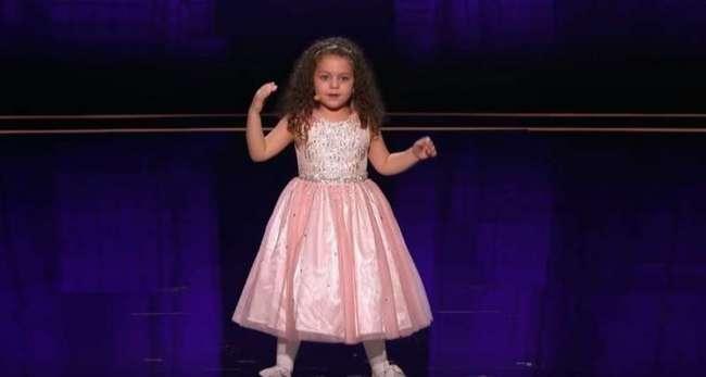 Судьи были в шоке, когда 5-летняя кроха начала петь классику. Самая юная певица на шоу произвела фурор!