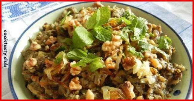 Баклажанный салат с орехами и чесноком