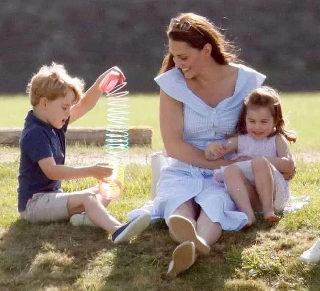 Мама с опытом: чем третий декретный отпуск Кейт Миддлтон отличается от двух предыдущих