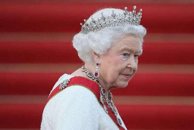 Ароматы принцесс и королев: какой парфюм предпочитают члены монаршей семьи