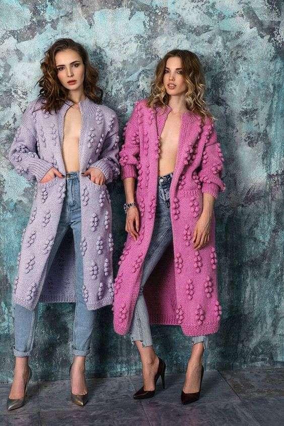 Для тех, кто вяжет: идеи модных фасоны свитеров для будущей осени