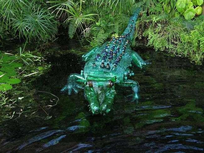 Удивительные скульптуры растений и животных из пластиковых бутылок