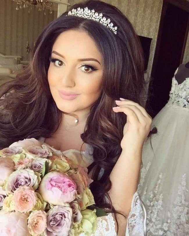 Нужное подчеркнуть: как знаменитости красятся на свадьбу