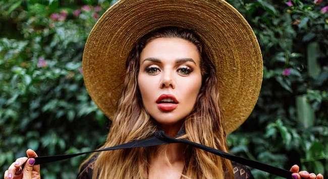 -Я вам вообще ничего не должна-: Анна Седокова отреагировала на критику ее образа жизни