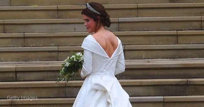 Изумруды в тиаре, сильный ветер и атмосфера спокойного счастья: первые фото со свадьбы принцессы Евгении