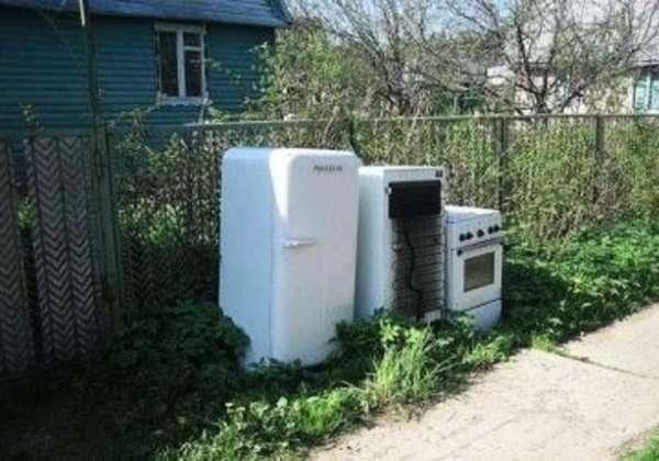 Необычное и практичное применение старого холодильника на даче