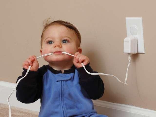 Обезопасить дом к появлению малыша