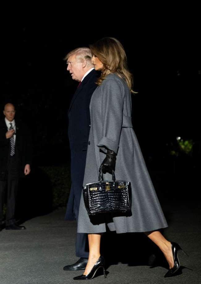 Мелания Трамп продемонстрировала отменный вкус, выбрав ультрамодное пальто в стиле оверсайз