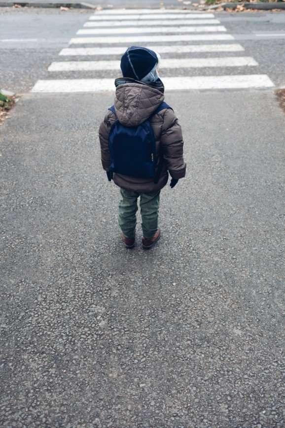 Один в большом городе: навигатор по детской безопасности в мегаполисе