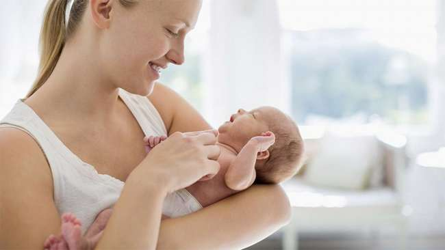 Как укачать ребенка спать: способы и действенные советы