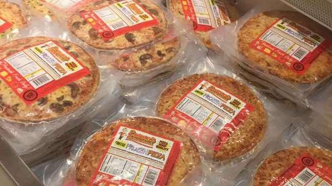 Как разогреть пиццу в духовке и микроволновке