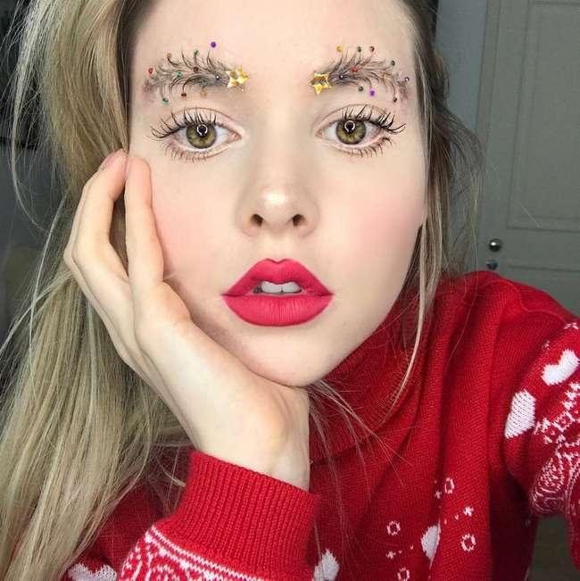 Мода сошла с ума: новый праздничный тренд в макияже