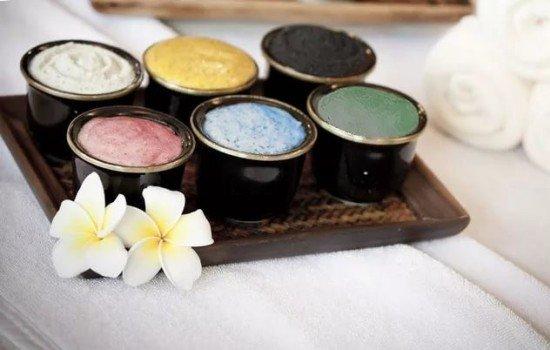 Разноцветная косметическая глина для женской красоты