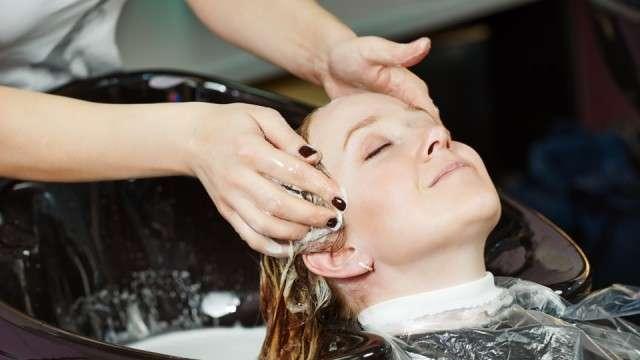 Можно ли мелировать волосы во время беременности