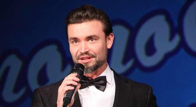 Победитель шоу -Голос- Петр Захаров признался, что врачи запрещали ему петь