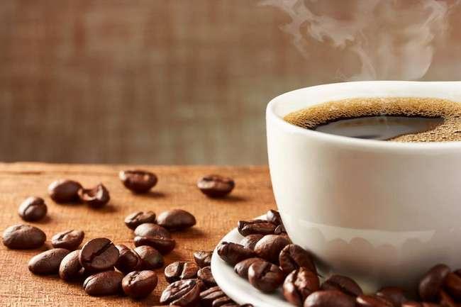 4 вкусных напитка, способных взбодрить не хуже кофе