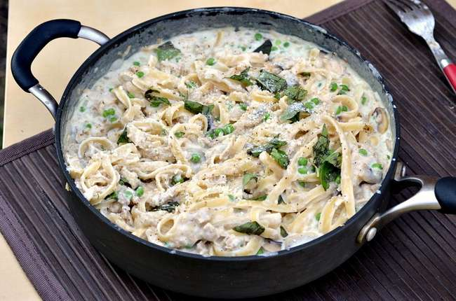 Паста с тунцом в сливочном соусе: ингредиенты, рецепт с описанием, особенности приготовления