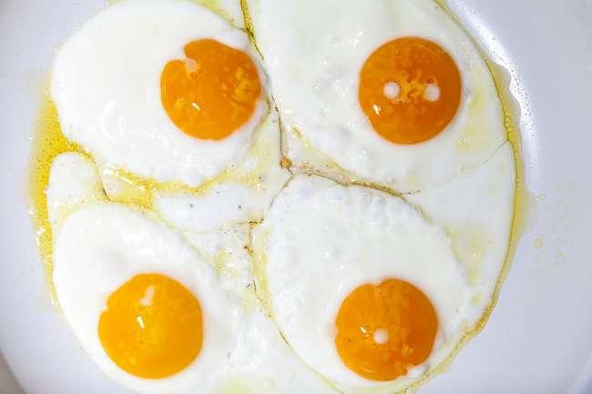 Распространенные «факты» о яйцах оказались неправдой