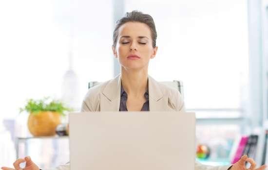 Как женщины разных знаков зодиака справляются со стрессами