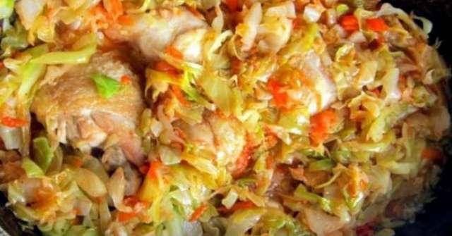Очень сочная и нежная тушеная капуста с курицей. Потрясающий вкус!