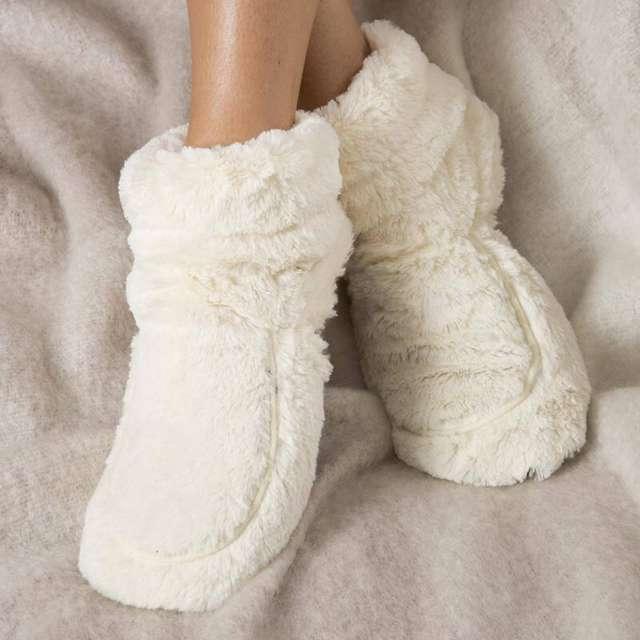 Тепло и уютно: в продаже появились носки с обогревателем