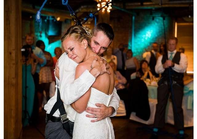 Танец для невесты. Бывший военный, прикованный к инвалидному креслу, сделал возлюбленной необычный подарок
