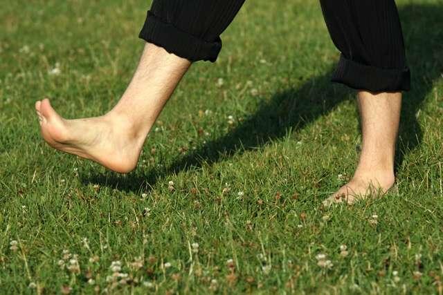 Зачем ходить босиком