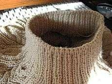 Ленивая горловина: азы вязания