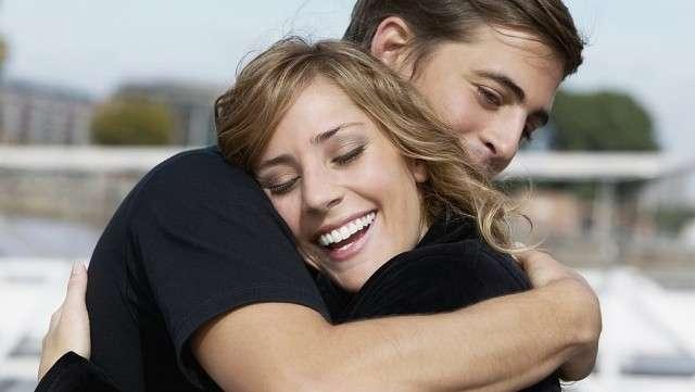 Прикосновения мужчины к женщине
