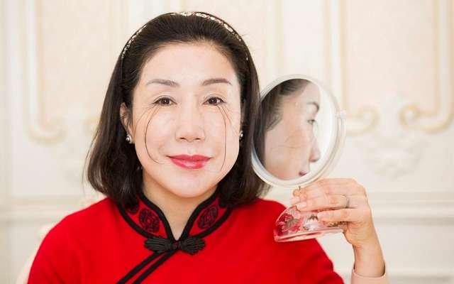 Китаянка не переставала наращивать ресницы и попала в Книгу рекордов Гиннеса