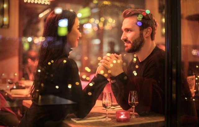 3 тревожных сигнала, на которые стоит обратить внимание на первом свидании
