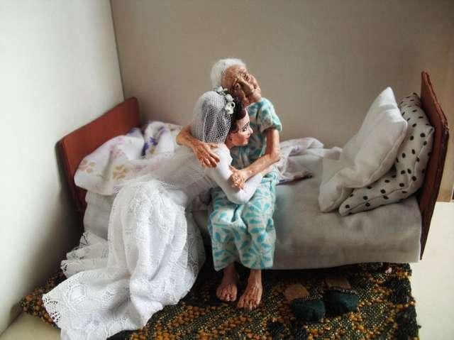 30 лет назад детям сибирячки не хватало игрушек. Так и родились ее «живые» куклы, каждая со своей историей