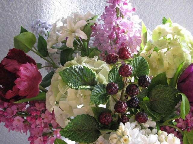 Цветы ручной работы из полимерной глины от мастера