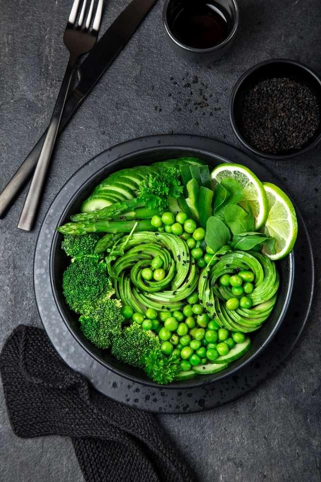 Подборка диетических салатов для похудения