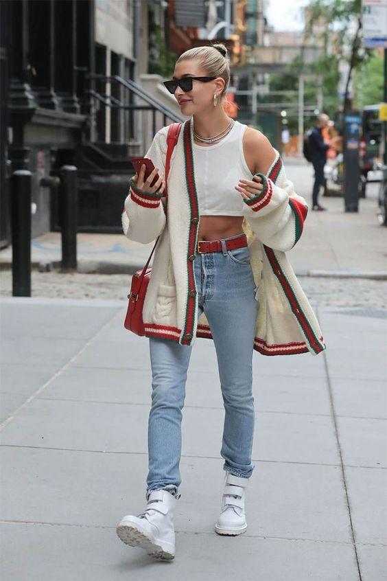 Как носить -бабушкин- свитер и выглядеть стильно: 8 модных идей