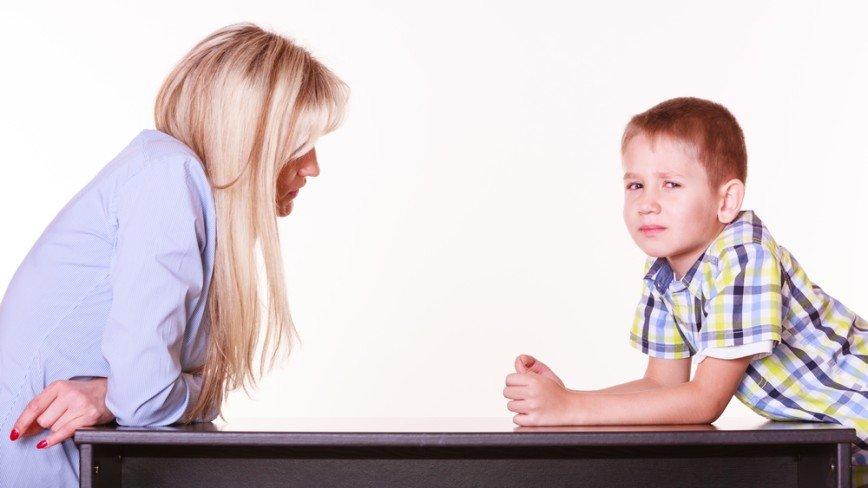 Старших надо уважать? 5 четких правил, как научить ребенка говорить взрослым «нет» и защищать себя