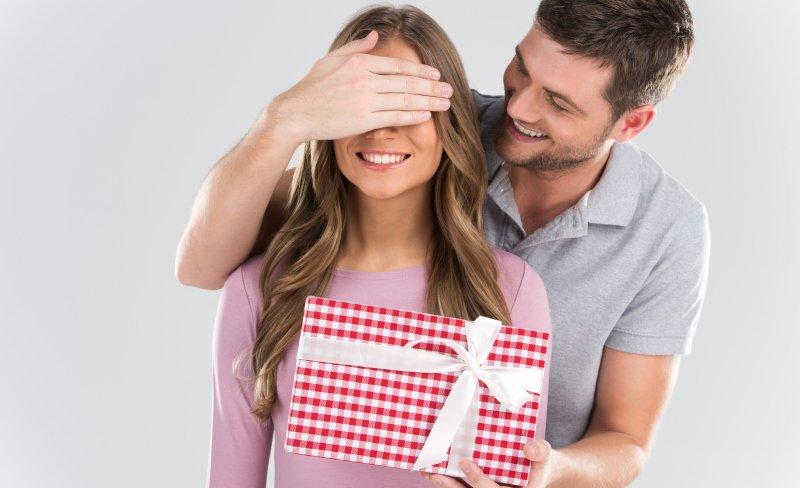 Как получить подарок от мужчины: советы психолога