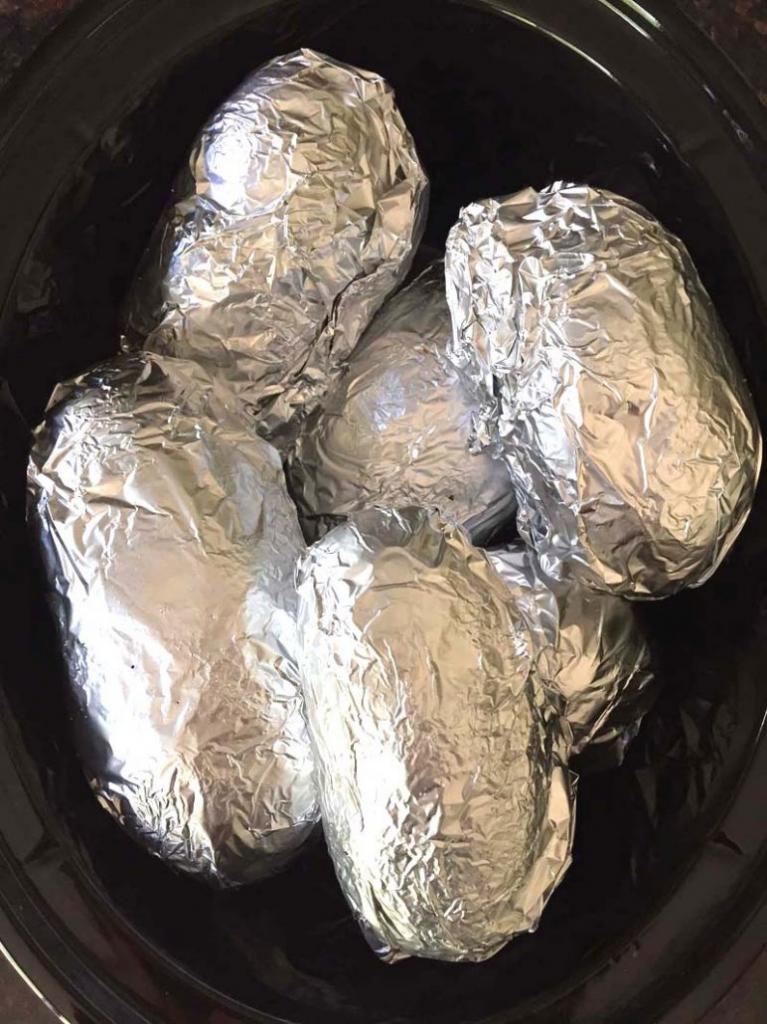 Запеченный картофель с начинкой: простые рецепты и советы по приготовлению