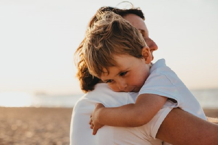 Почему объятия так полезны для организма: 10 объективных эмоциональных и физических причин