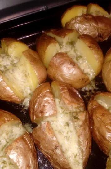 Нереально вкусный картофель. Эта закуска придется  по душе каждому