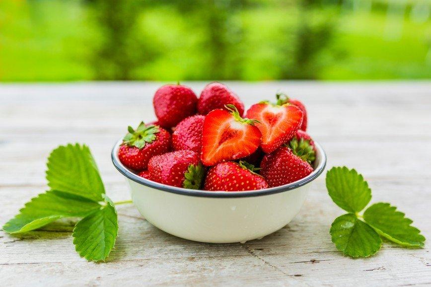 Афродизиак и кладезь витаминов: почему стоит налегать на клубничку