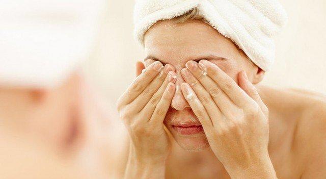 Тщательный уход: ошибки при очищении лица