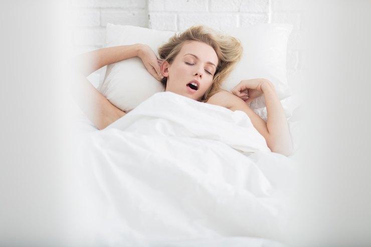 Почему полезно спать без белья - и ещё 9 хитростей, которые полезно знать