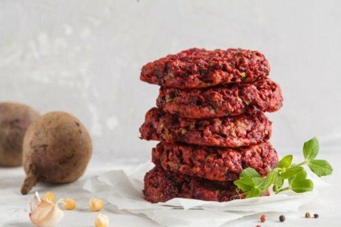 Полезные рецепты: вегетарианский гамбургер с чечевицей и грибами