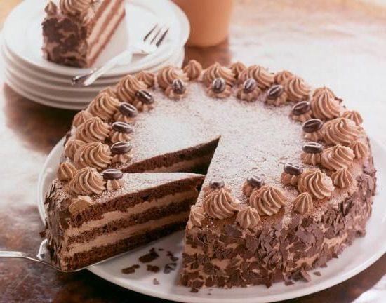 Как украсить торт -Прага- в домашних условиях: фото идей, советы по оформлению